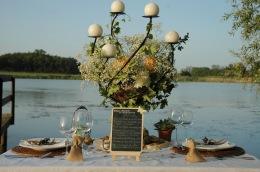 mariage champêtre au bord de l'eau nature et romantique