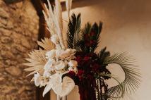 herbe de la pampas feuille tropicale fleur seche anthurium roses rouges renoncule amarante