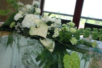 marige blanc et vert table d'honneur