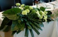table d'honneur mariage blanc et vert chic elegant